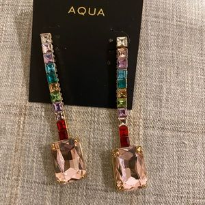 NWT gorgeous earrings.